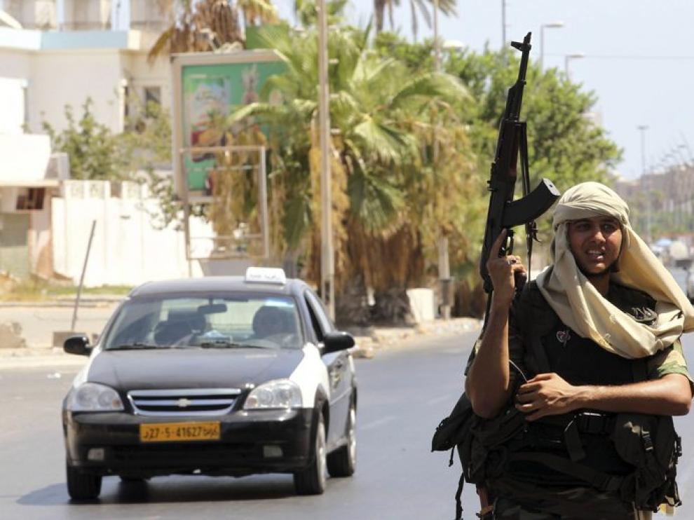 En Libia es fácil ver a gente con armas en las calles