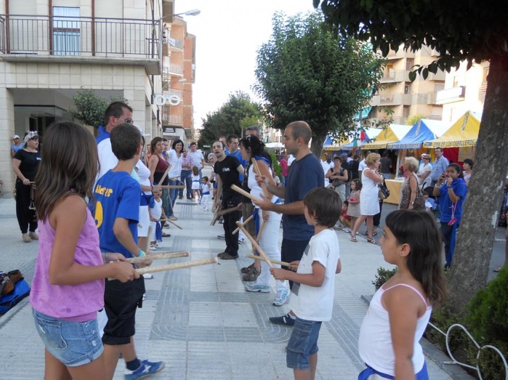 El grupo Zarrakatralla Folck mostró tradiciones del baile aragonés.