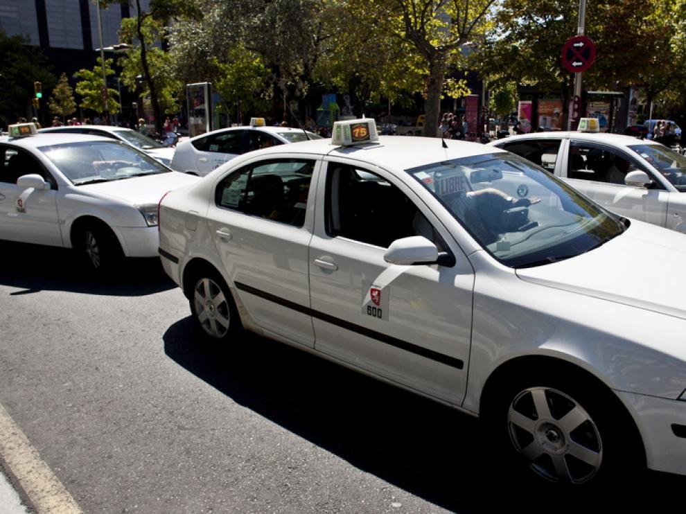 Usuarios y taxistas se benefician