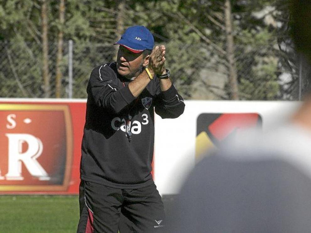 El ex entrenador del Huesca, Ángel Royo.