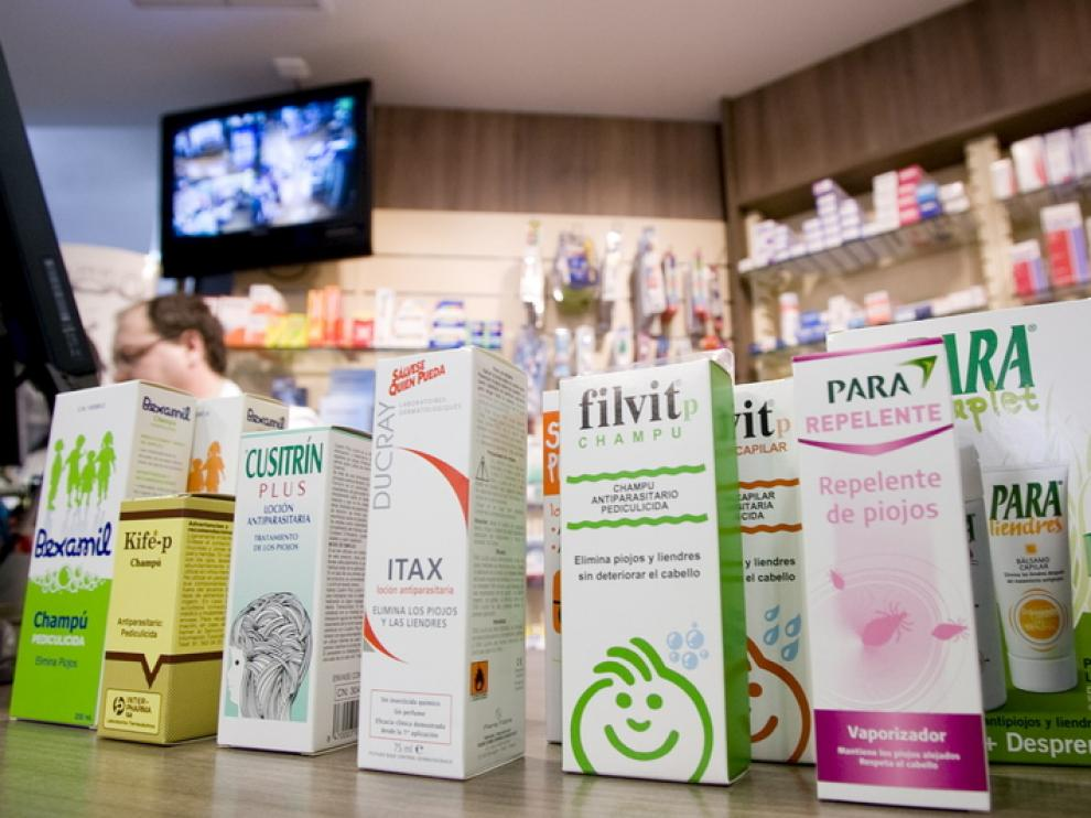 Productos anti-parásitos en una farmacia de Aragón