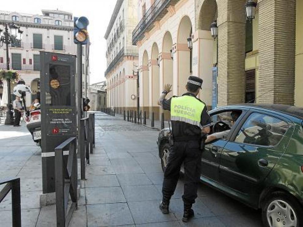 Acceder a la zona peatonalizada sin permiso supondrá una multa de 90 euros