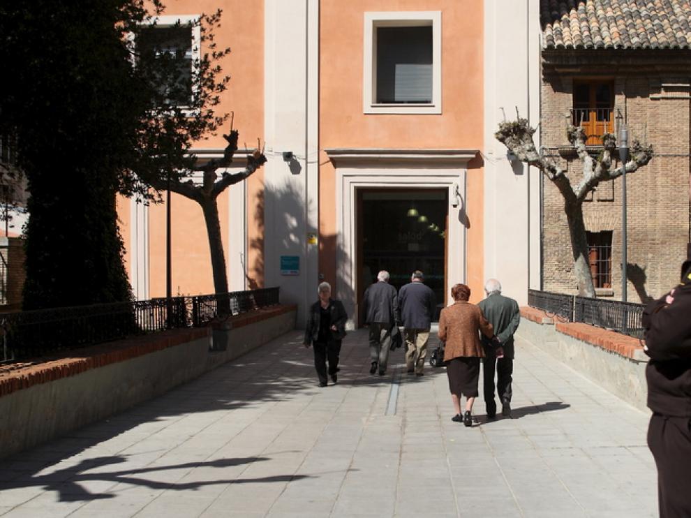 En el Hospital Provincial de Zaragoza se estudian unas 200 mamografías a la semana.