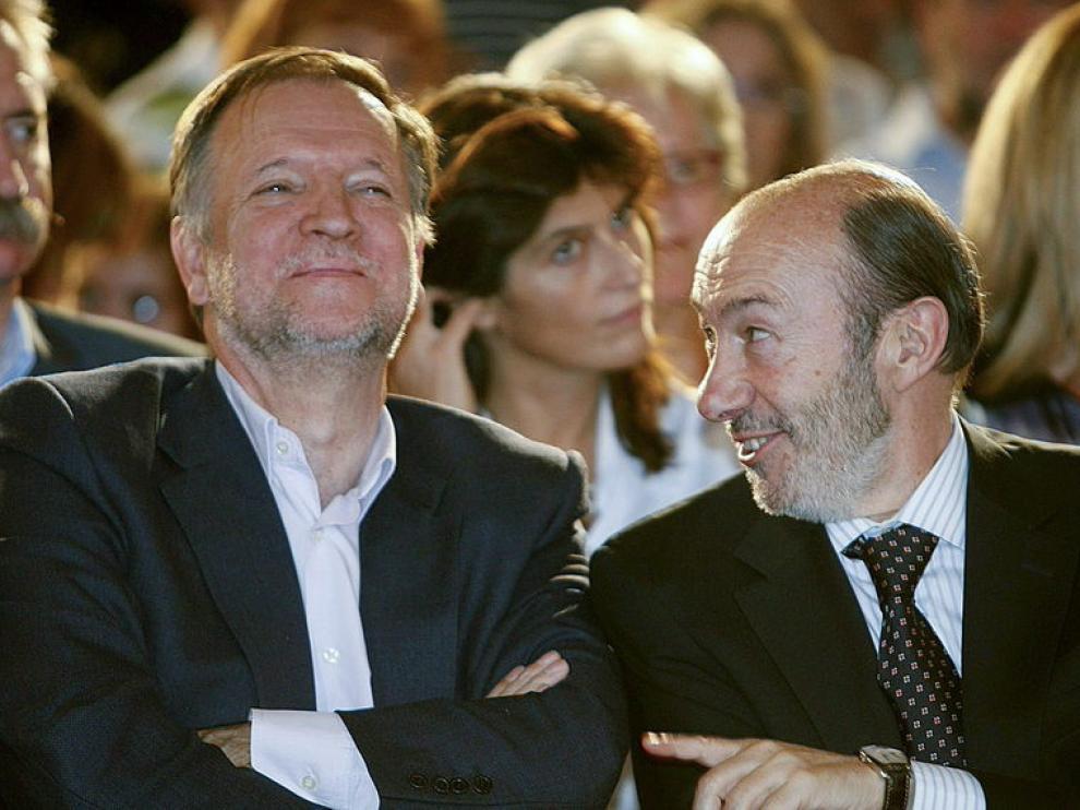 Marcelino Iglesias junto a Rubalcaba, en el acto con los socialistas en Zaragoza.