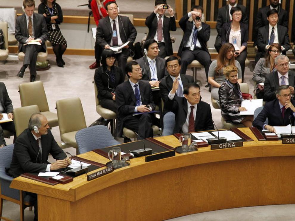 Representantes chinos en la mesa de Naciones Unidas