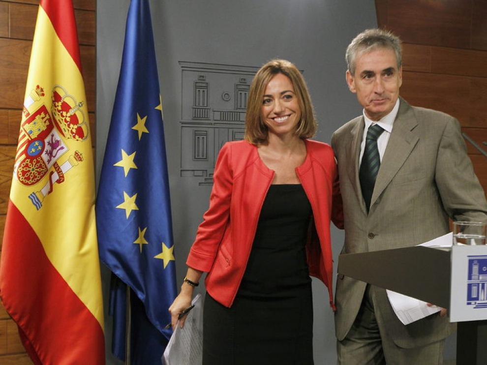 El ministro de Presidencia Ramón Jáuregui y la ministra de Defensa Carme Chacón