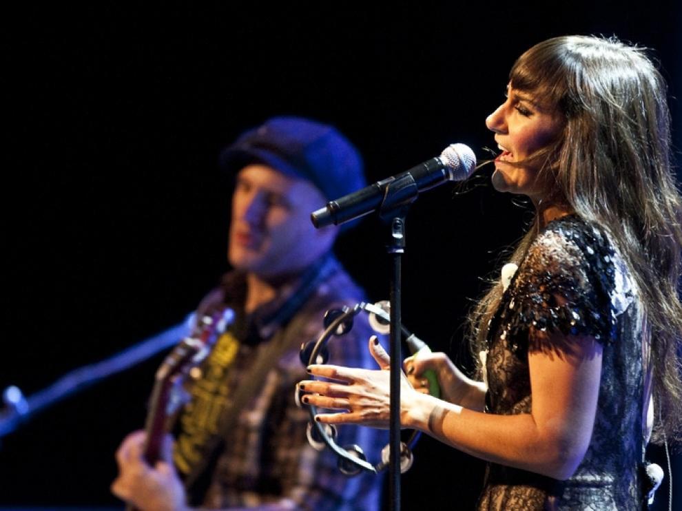 Eva y Juan durante un concierto