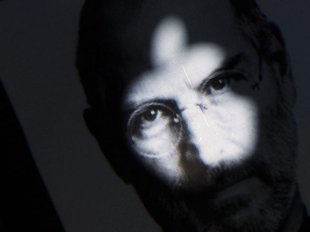 Una fotografía del cofundador de Apple, Steven Jobs, ilustra la web apple.com