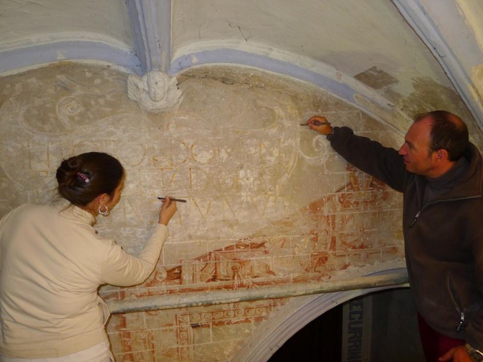 Momento de la restauración de la Parroquieta.