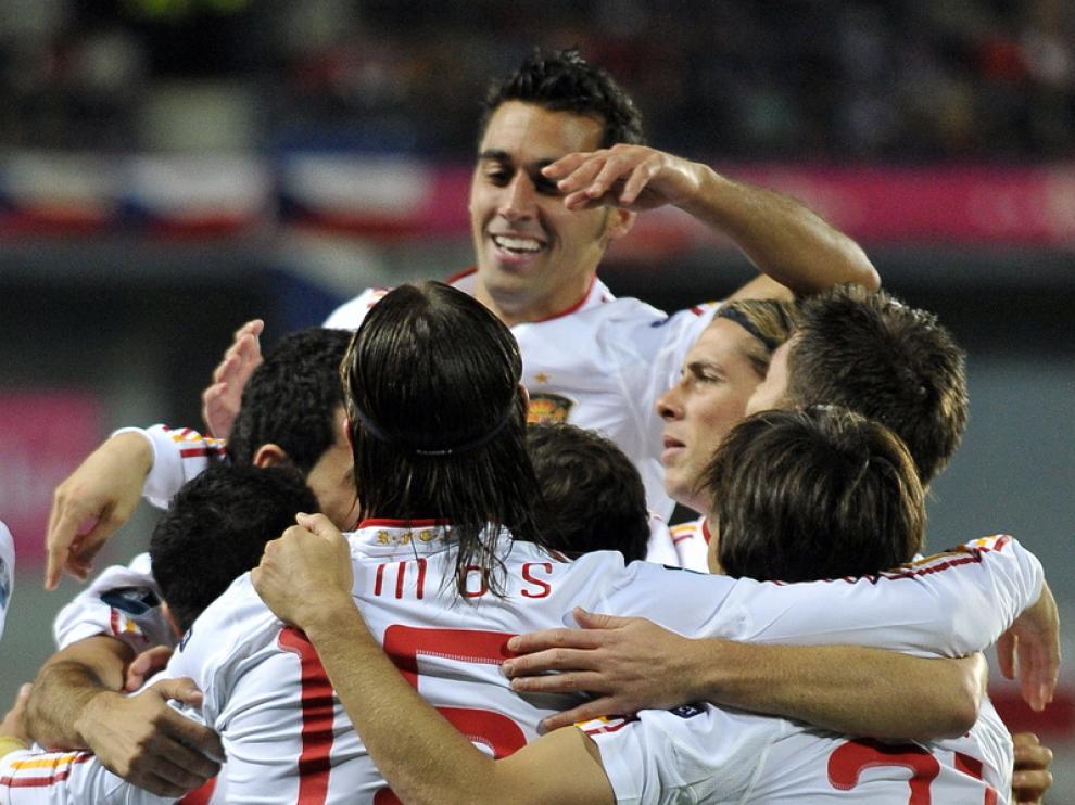 El equipo celebra uno de los goles