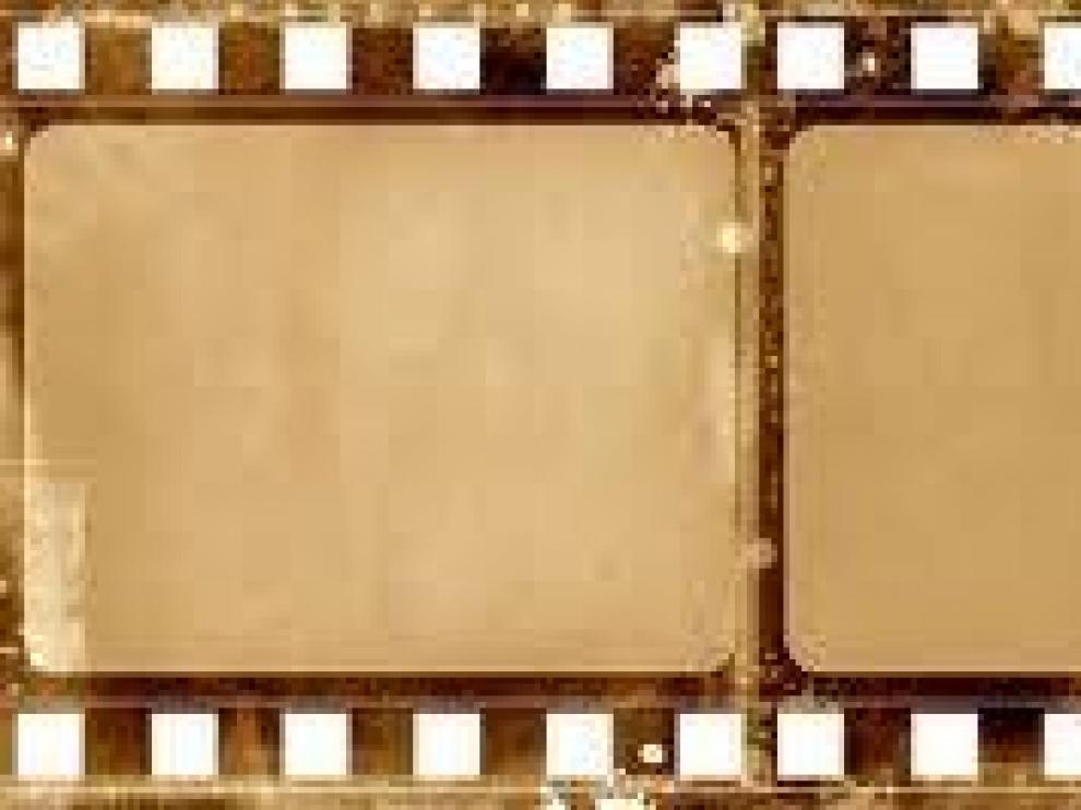 John Wesley Hyatt inventó el celuloide como sustituto del marfil en las bolas de billas. Su uso en películas fotográficas haría famoso el nuevo material