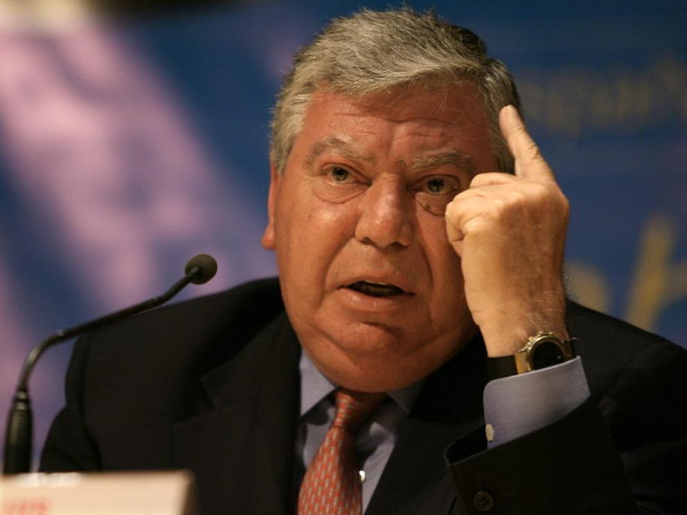 El ex ministro del Interior, José Luís Corcuera, pronuncia su discurso.