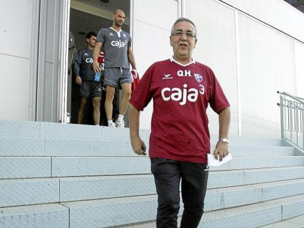 Quique Hernández espera salir mañana de El Alcoraz con los tres puntos en juego a su favor.