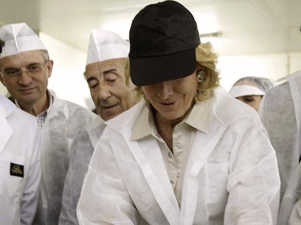 Esperanza Aguirre, en su visita a una fábrica