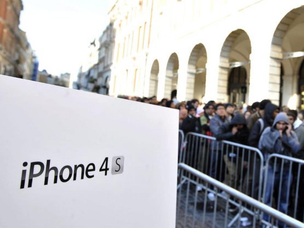 Colas para comprar un Iphone 4s en EE. UU.