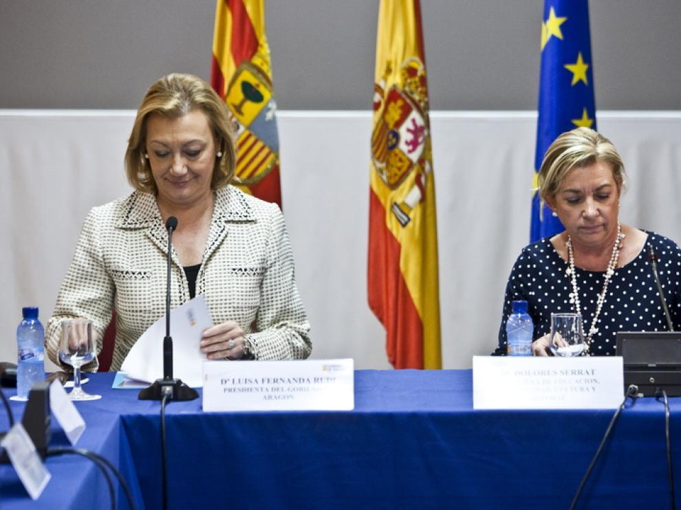 Luisa Fernanda Rudi y Dolores Serrat, en la Mesa de Educación