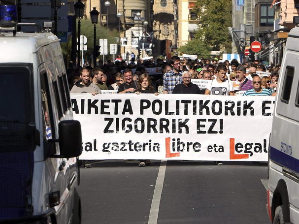 Manifestantes piden al Supremo la absolución de 15 miembros de Segi condenados por la AN