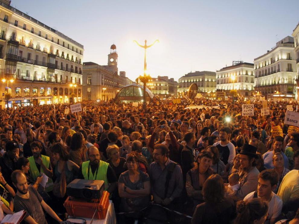 Miles de manifestantes se han concentrado en la Puerta del Sol con motivo del 15-O