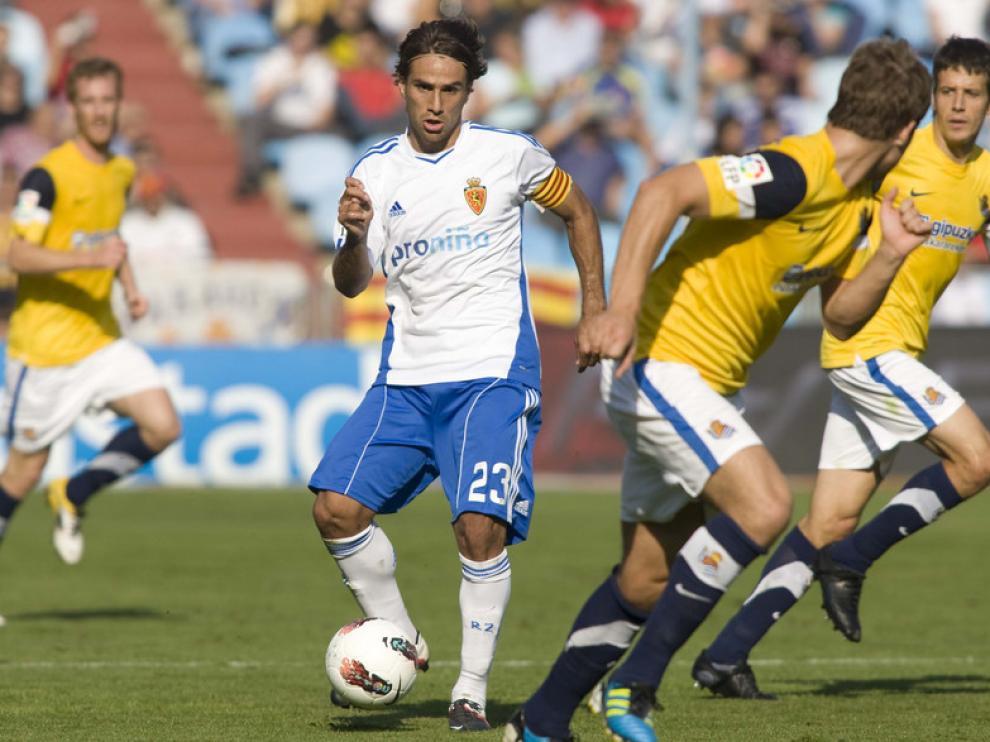 Leo Ponzio dio la asistencia para el segundo gol de Postiga