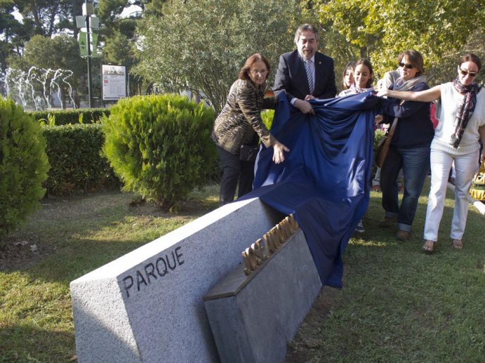 Inauguración del monolito a José Antonio Labordeta