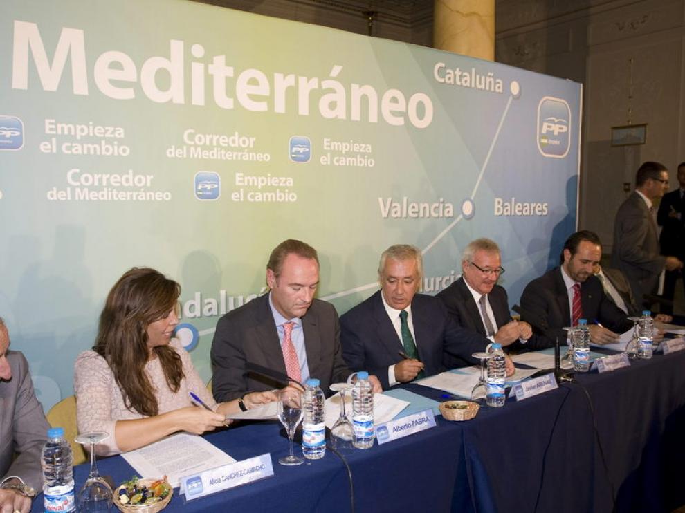 Los líderes del PP firman el manifiesto en defensa del Corredor Mediterráneo de transporte ferroviario