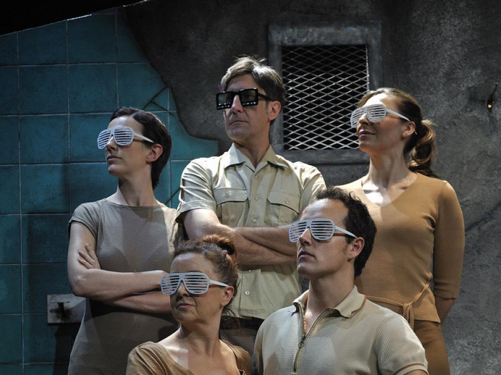 El festival ha comenzado con la representación en el Teatro de la Estación de la obra 'Mein Kapital'