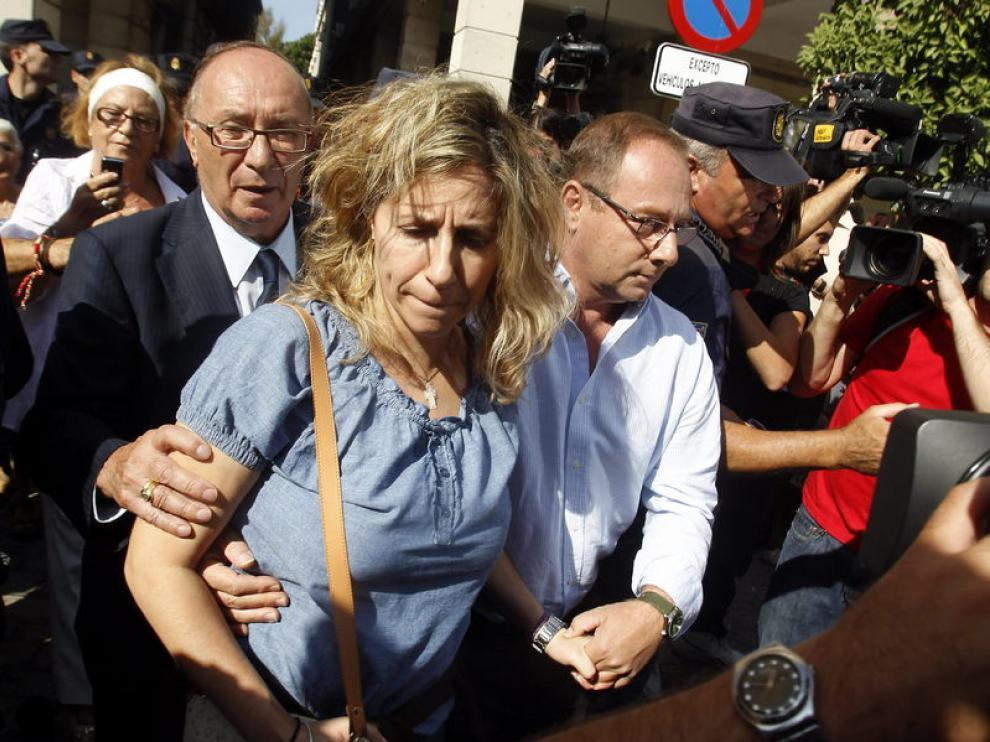 Los padres y el abuelo de Marta del Castillo, a su salida el juzgado