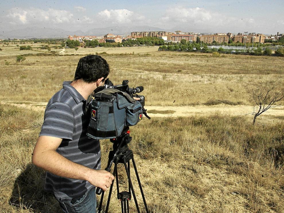 Los terrenos están situados entre los caminos de Loreto y Cocorón, cerca de las instalaciones deportivas de San Jorge.