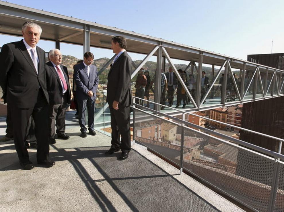 Antonio Suarez, José Ángel Biel y Manuel Blasco durante la inauguración del ascensor de San Julián