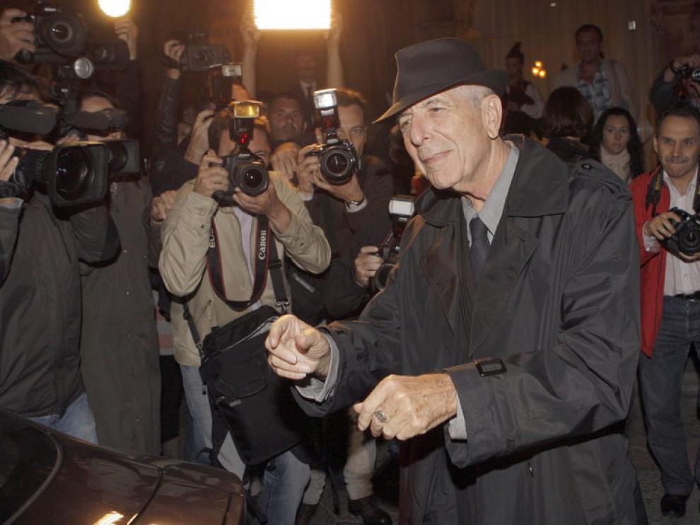 Cohen, a su llegada a Oviedo
