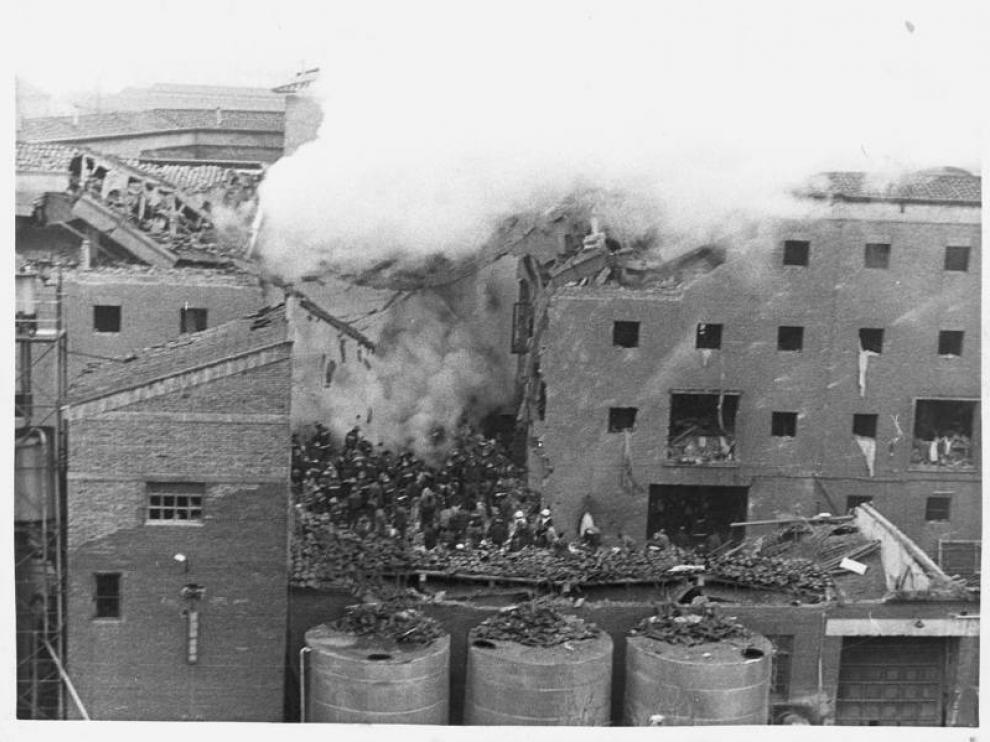 Atentado contra la casa cuartel de la avenida Cataluña de Zaragoza el 11 de diciembre de 1987