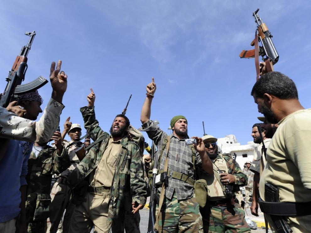 Los rebeldes libios matan a Gadafi