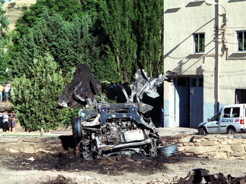 Atentado de Sallent de Gállego, en el que murieron dos guardiaciviles, el 20 de agosto de 2000