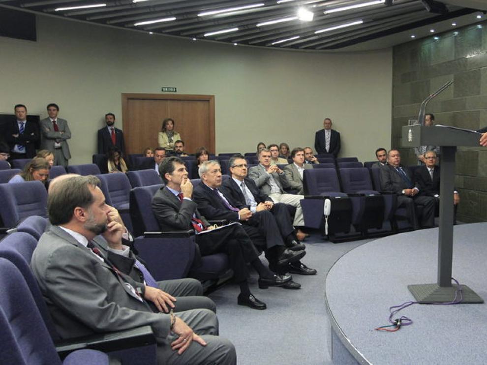 Zapatero evaluó durante su comparecencia en La Moncloa el cese de la actividad armada