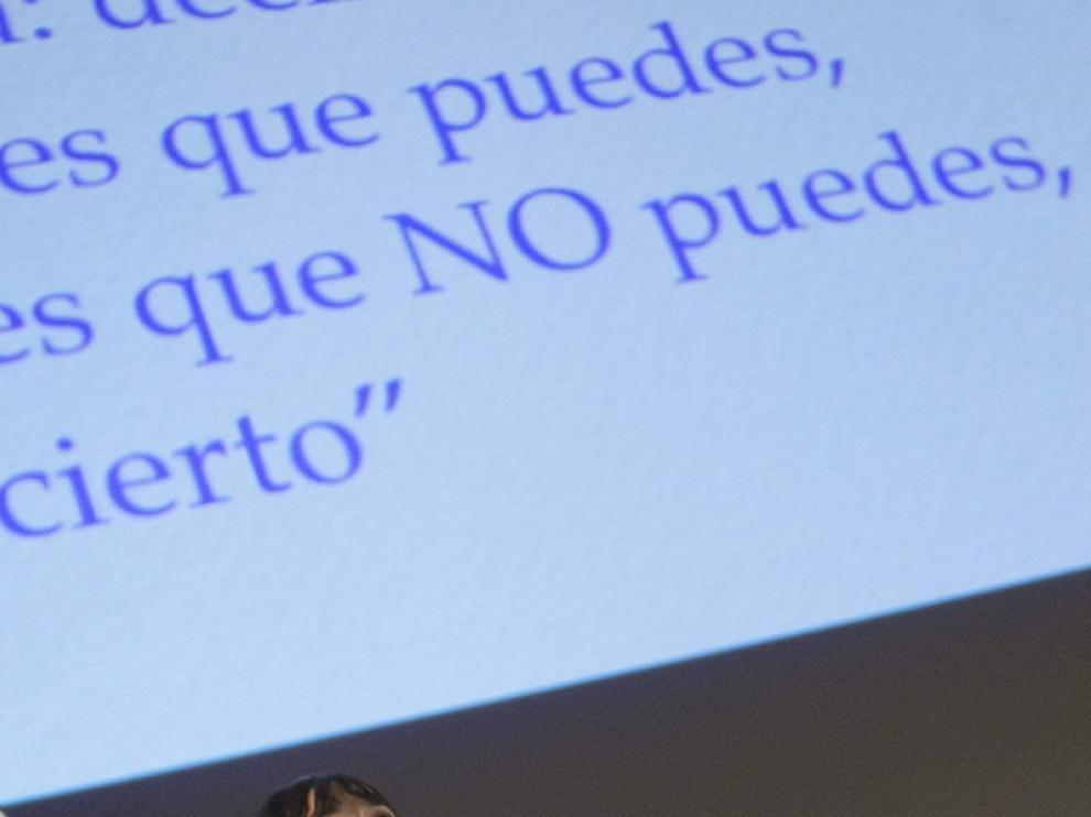 Irene Villa durante la conferencia en Zaragoza