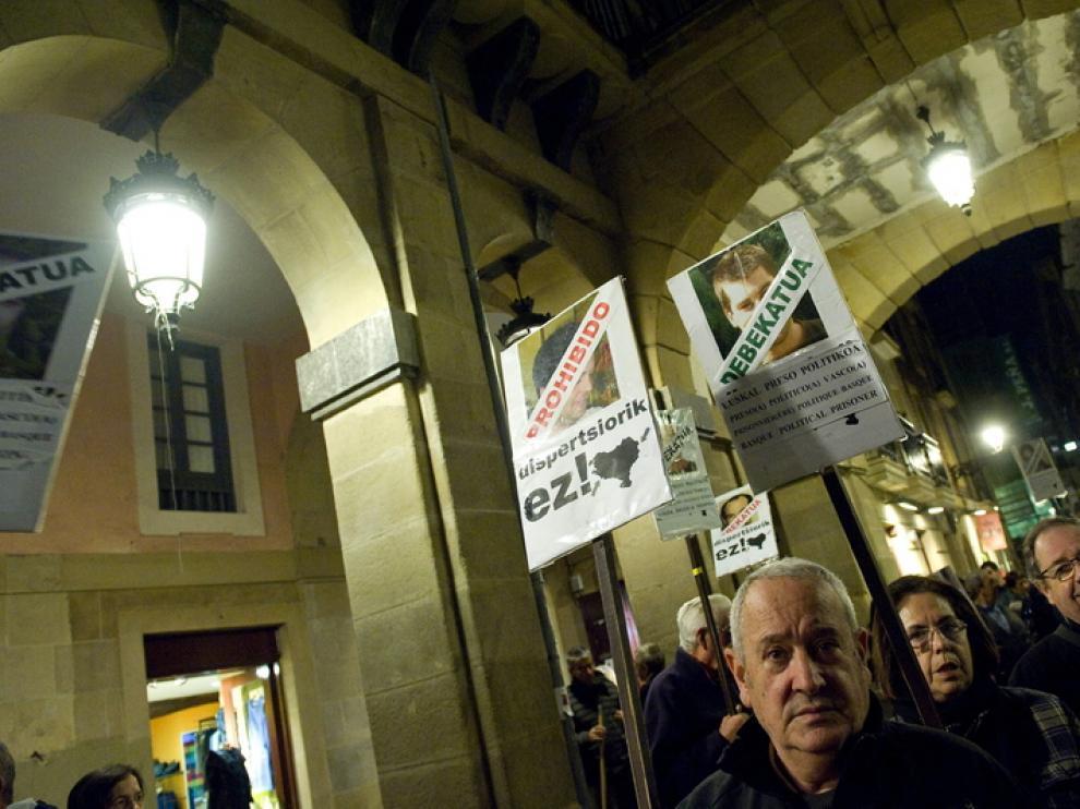 Familiares de presos de ETA pidieron el viernes por la noche en San Sebatián su acercamiento al País Vasco