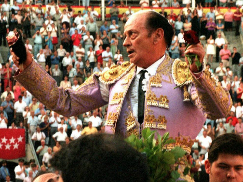 Antoñete con el traje de su triunfo, que le acompañará en el velatorio