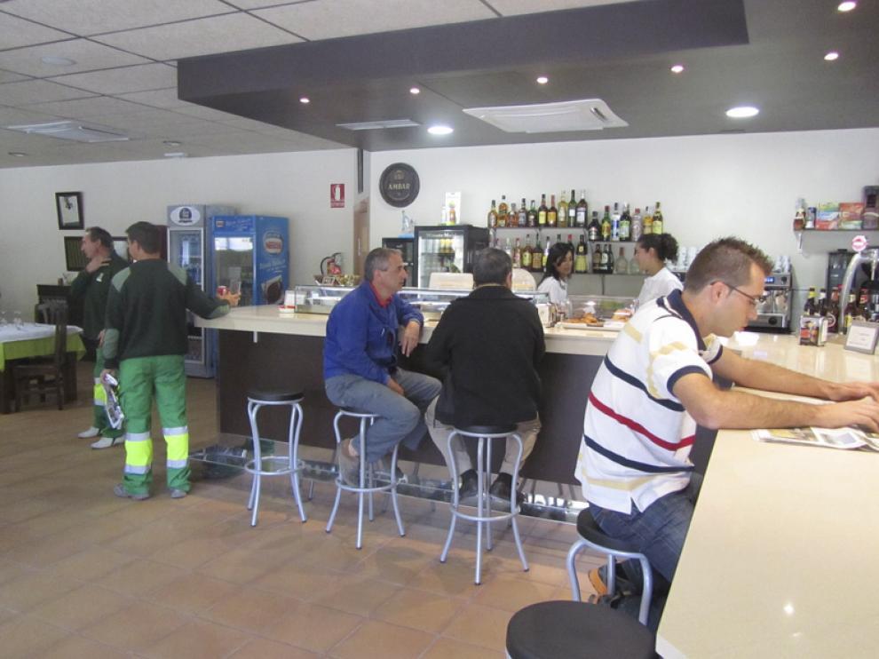 Muchos trabajadores se tomaron ayer un descanso en el nuevo restaurante del polígono.