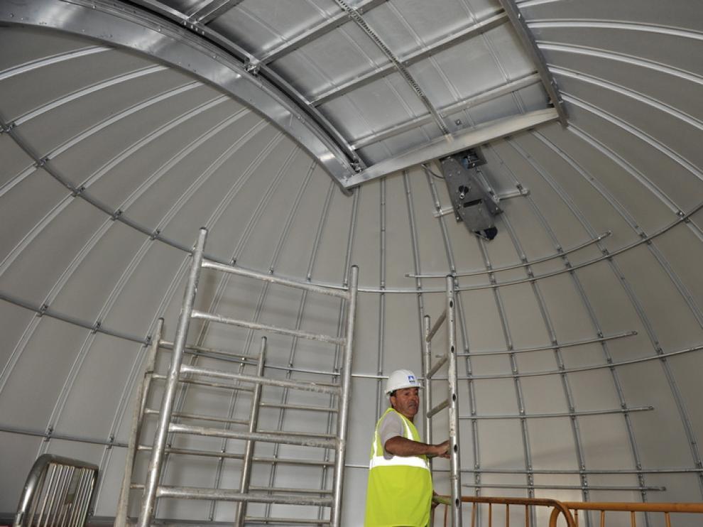 La cúpula para el telescopio auxiliar, el primero que llegará a Javalambre, ya está montada.