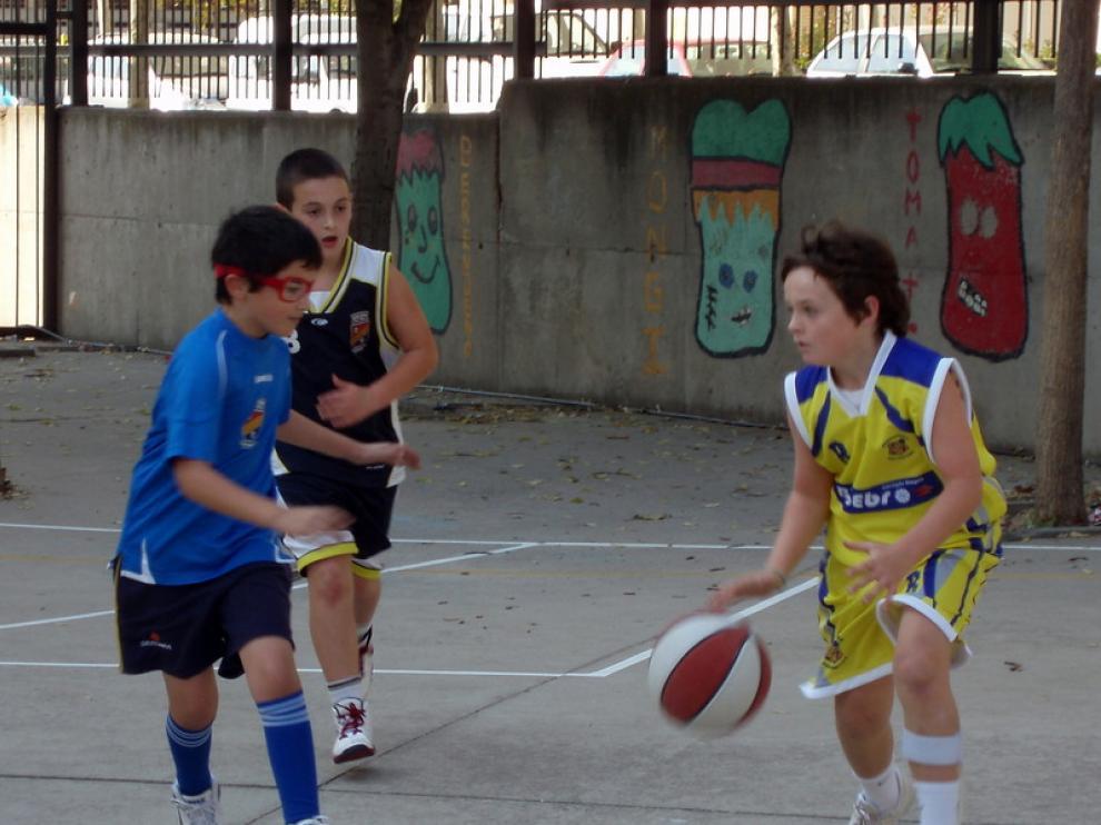 Más jugadores de baloncesto de la AD Hisa
