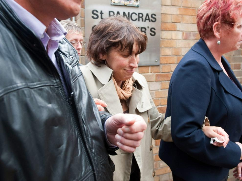 Janis Winehouse, la madre de la cantante a la salida del juzgado