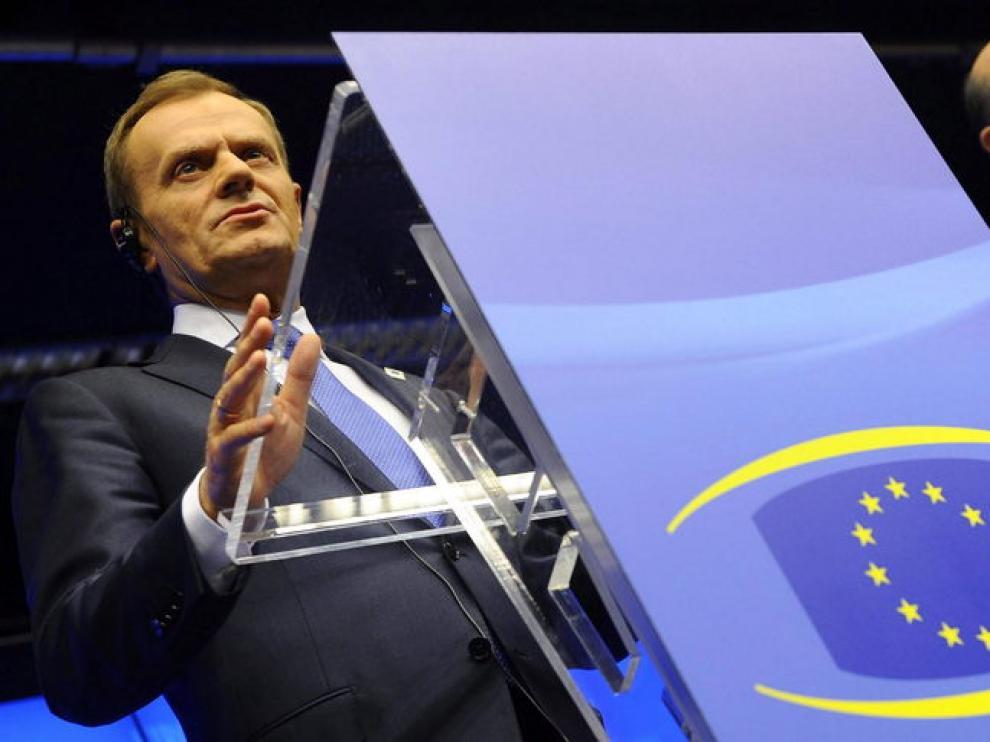 El primer ministro polaco, Donald Tusk, y el ministro polaco de finanzas comparecen al término de la cumbre
