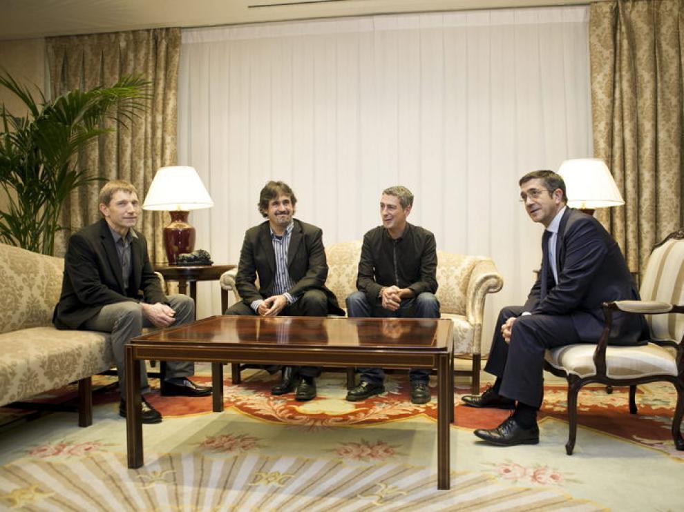 Reunión del lendakari Patxi López con los miembros de Bildu