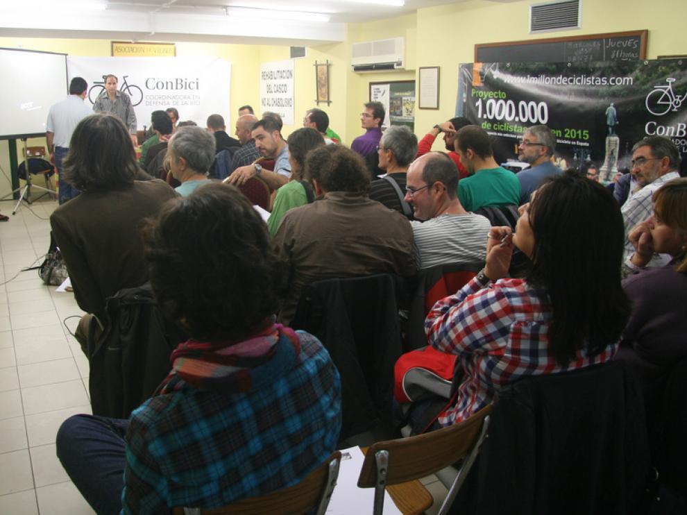 Asociaciones de ciclistas de toda España han debatido en Huesca.