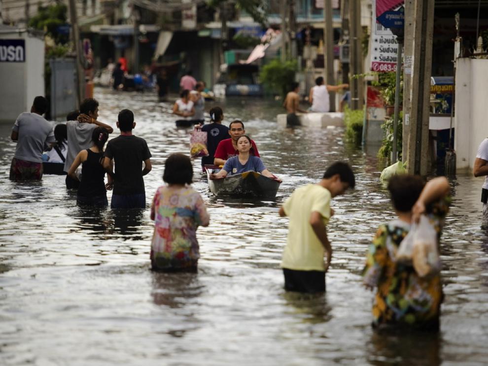 Las inundaciones en Tailandia han dejado 381 muertos