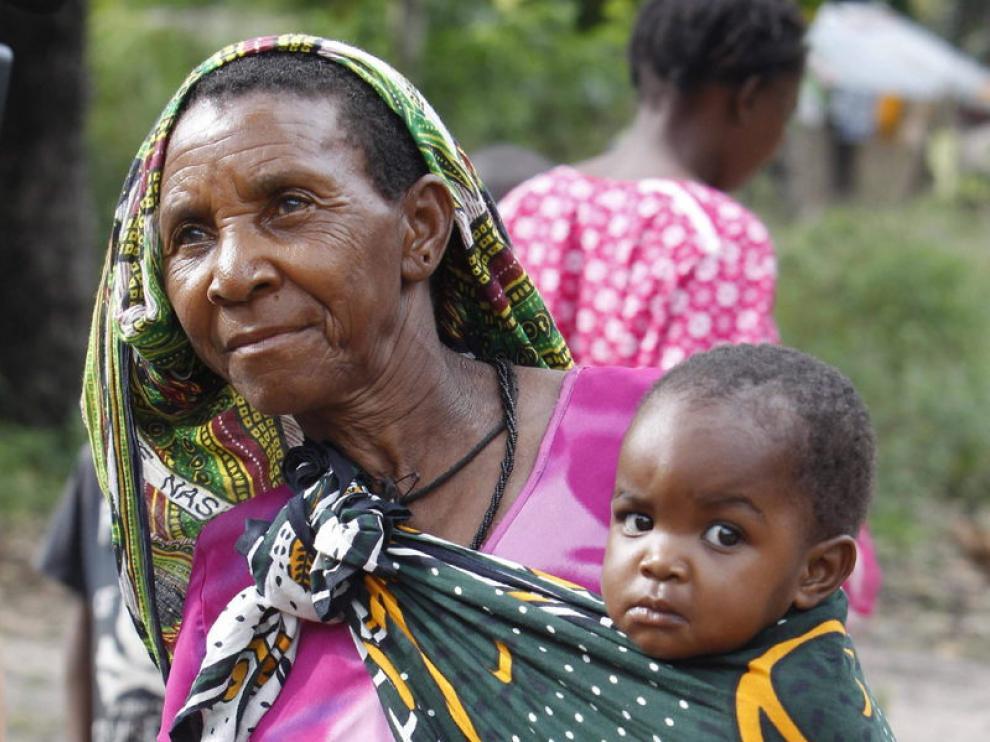 Madres que perdieron a sus hijos por el sida se encargan ahora de sus nietos