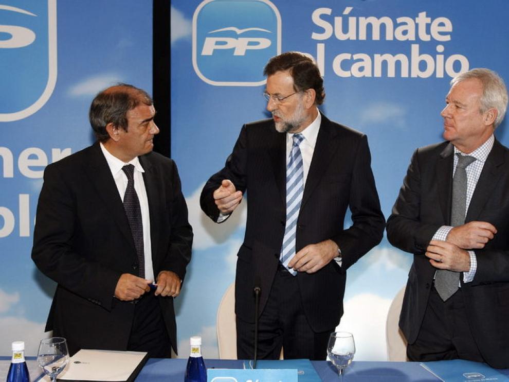 Rajoy y Valcárcel en una comida- mítin en Murcia