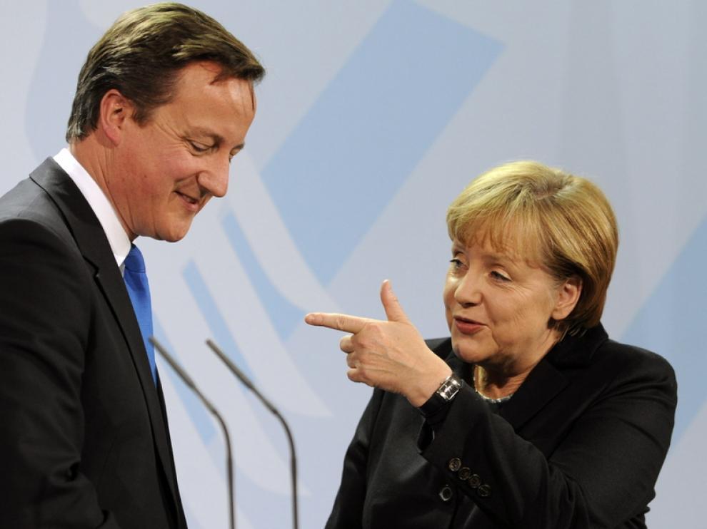 Angela Merkel y James Cameron tras su reunión en Berlín