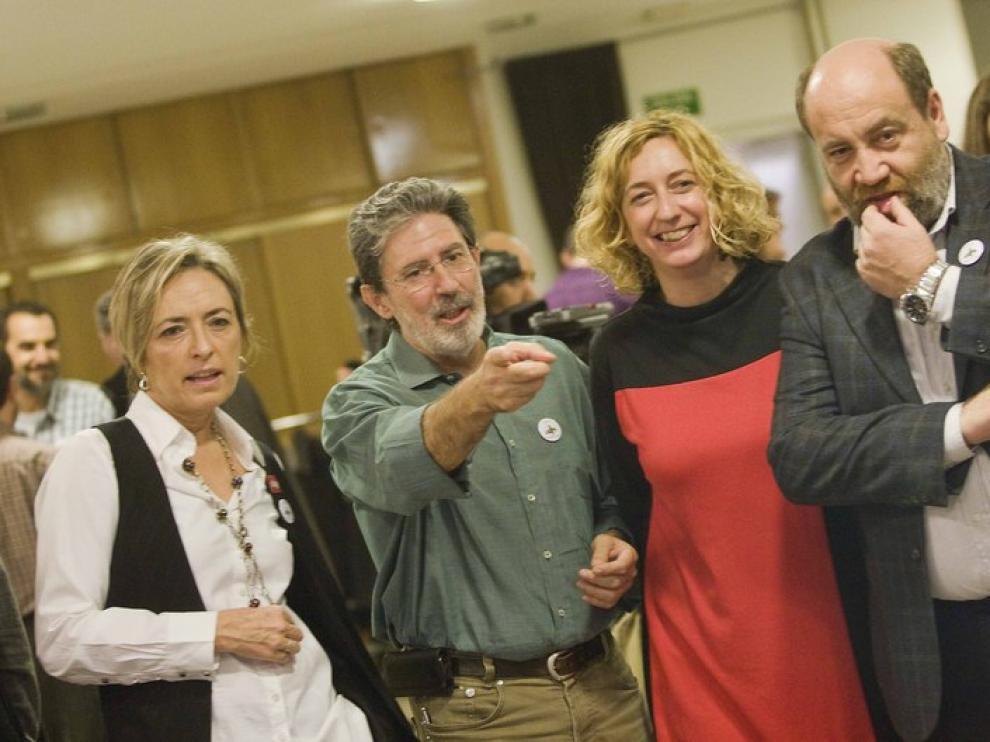 Nieves Ibeas, Adolfo Barrena, Patricia Luquin y José Manuel Alonso, de IU-aragón, en una imagen de archivo