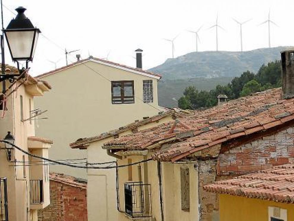 El ruido de los aerogeneradores -a menos de 3 kilómetros- se oye en el casco urbano.